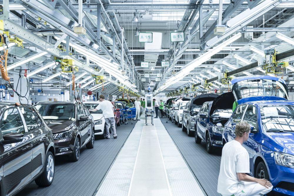 vyroba_auto_tovarna