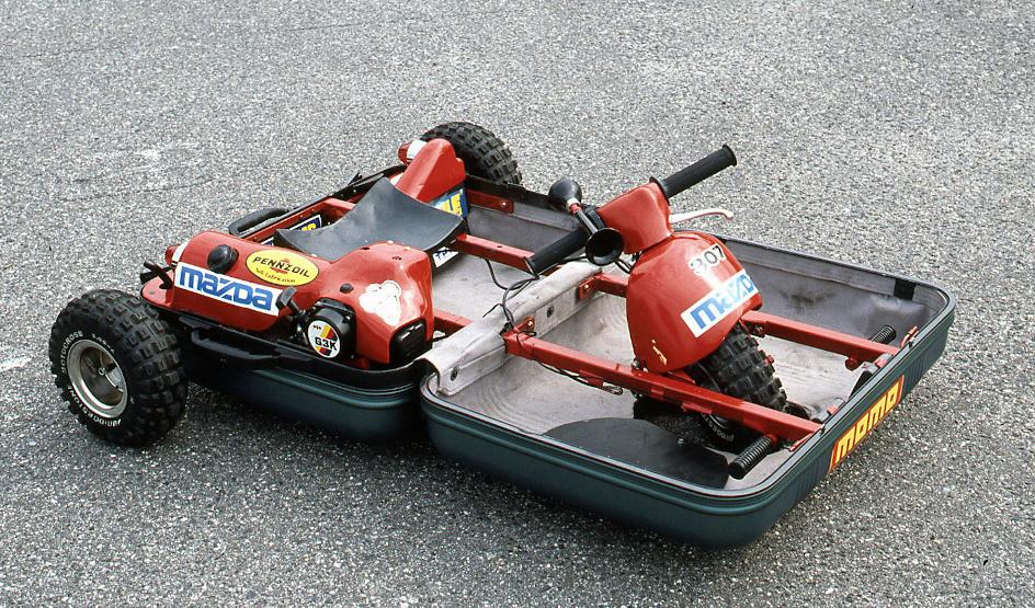 Mazda, kufr, tříkolka