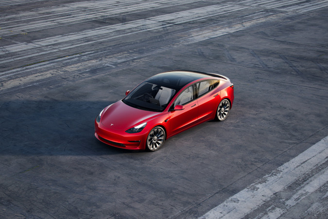 Tesla, auto,červené